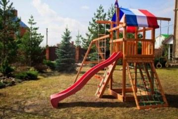 Как выбрать для своего ребенка игровую площадку?