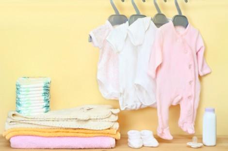 Одежда для новорожденных – что понадобится младенцу в первый месяц жизни?