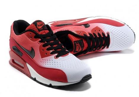 Спортивная обувь нынче в моде