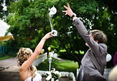 О битье бокалов на свадебной церемонии