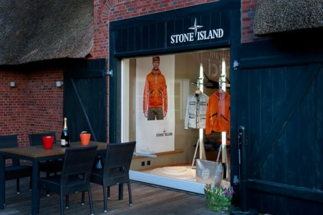 Одежда Стон Айленд и ее ассортимент
