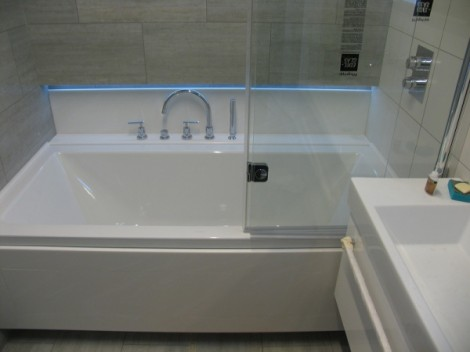 Как выбрать экран под ванну
