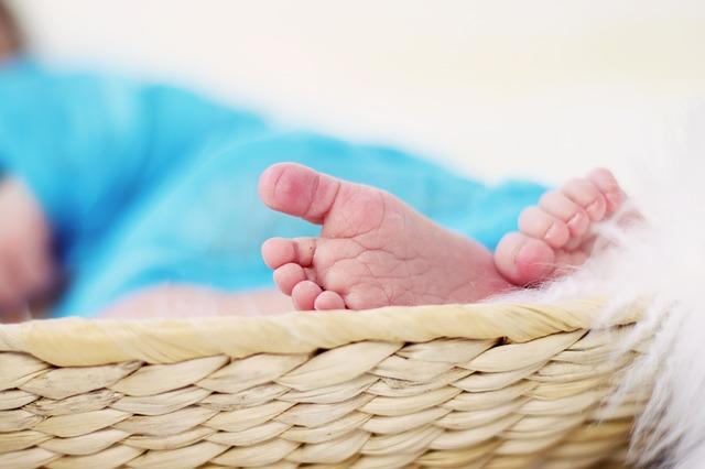 Подобрать имя ребенку, определить его предназначение поможет астролог
