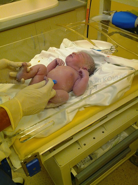 Как обрабатывать пупок новорожденного?