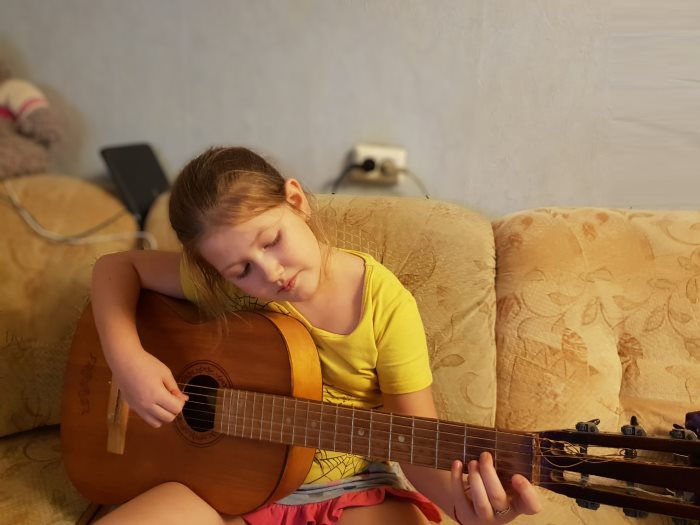 Гитара для детей